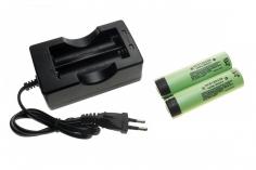 Ladegerät und 2x Akkus 3000mAh 3,7Volt für die Fatshark Transformer HD Videobrille