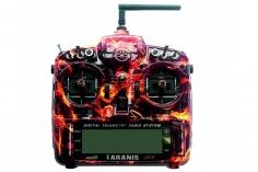 FrSky Taranis X9D Plus Sender 2,4GHz in Mode 2 mit englischer Menüführung, Special-Edition mit M9 Gimbal mit Hall-Sensoren und Softcase im Blazing Skull Design